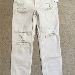 Free People Destroyed White Jean's-NWT and HTF!